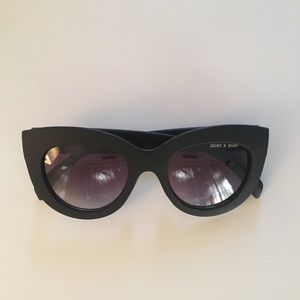 Quay matte black sunglasses